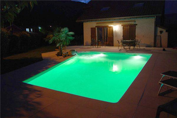 Clairage de votre piscine piscines dugain troyes for Piscines dugain